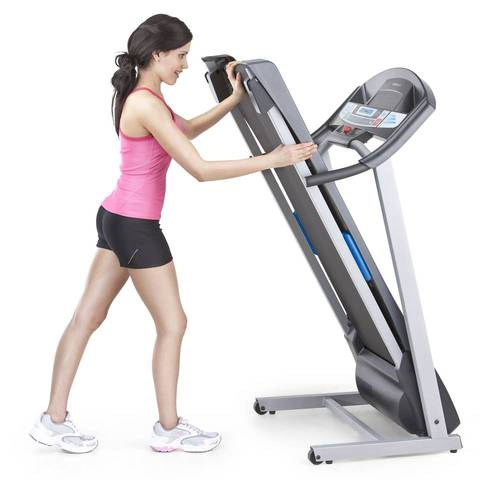 Weslo Cadence R 5.2 treadmill is easy to fold and put away